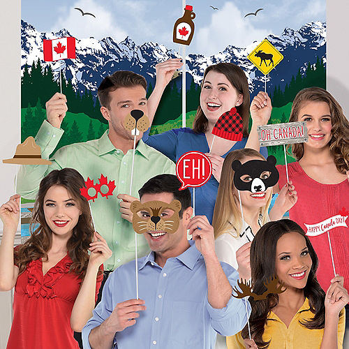 Canada Scene Setter with Photo Booth Props Image #1