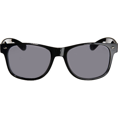 Classic Black Frame Sunglasses Image #1