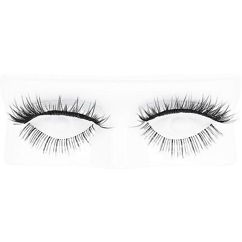 Mesmerizing False Eyelashes Image #1