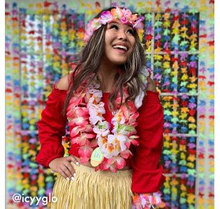 Hawaiian Luau Party Supplies & Decorations | Party City